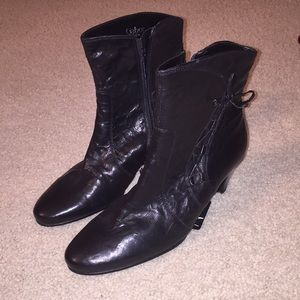 Gabor sheepskin lined boots. for sale